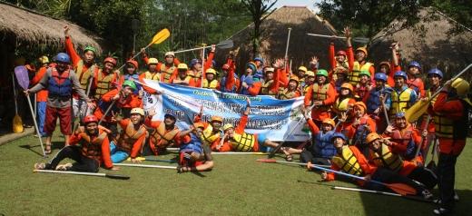 Tips Agar Nyaman Saat Rafting (Arung Jeram)